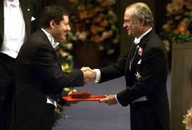 احمد زويل يتسلم جائزة نوبل